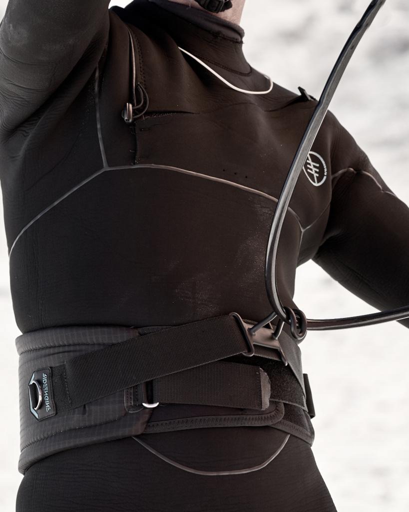 Кайт Трапеция RideEngine 2022 Vinaka Wingsurf V1 Black Harness.jpeg