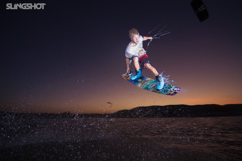 slingshot-kiteboarding-sam-light-2015-fuel-vision-board-dusk-O.jpg